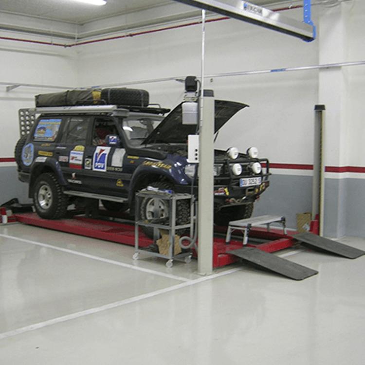 4ED0300 - 4 Post car Lift